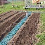 Пластиковая плитка ПластДор для дорожек купить для укладки между грядок огорода