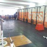 Плитка РЕЗИПЛИТ для пола из толстых листов литой резины для цеха завода и технического коридора